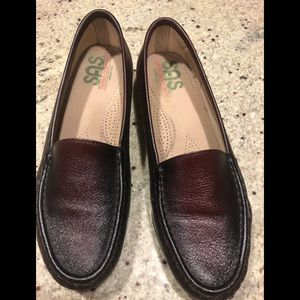 SAS burgundy TripAdvisor Comfort Shoes